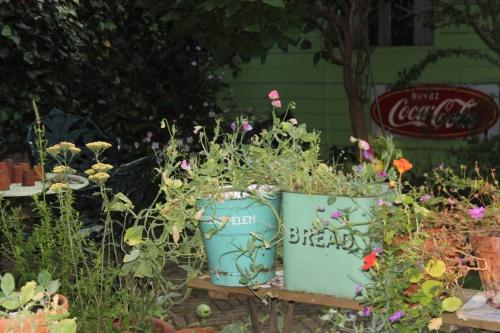 Buckets & Tins