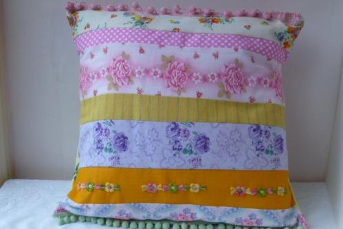 cushion 2 009