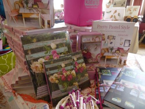 Pretty pastel style fair 013
