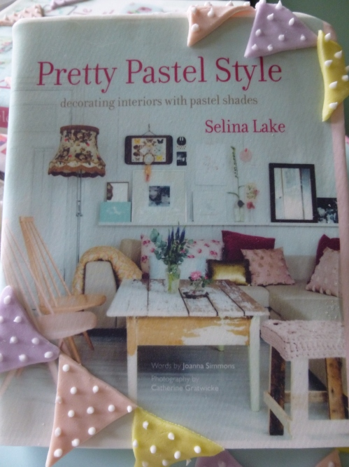 Pretty pastel style fair 016