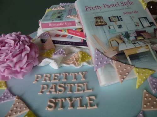 Pretty pastel style fair 023